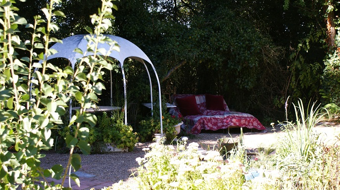mode de vie nature gite ecologique accueil vélo tout confort jardin