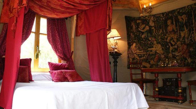 un lit au temps de l`amour courtois gite de charme amboise réserver