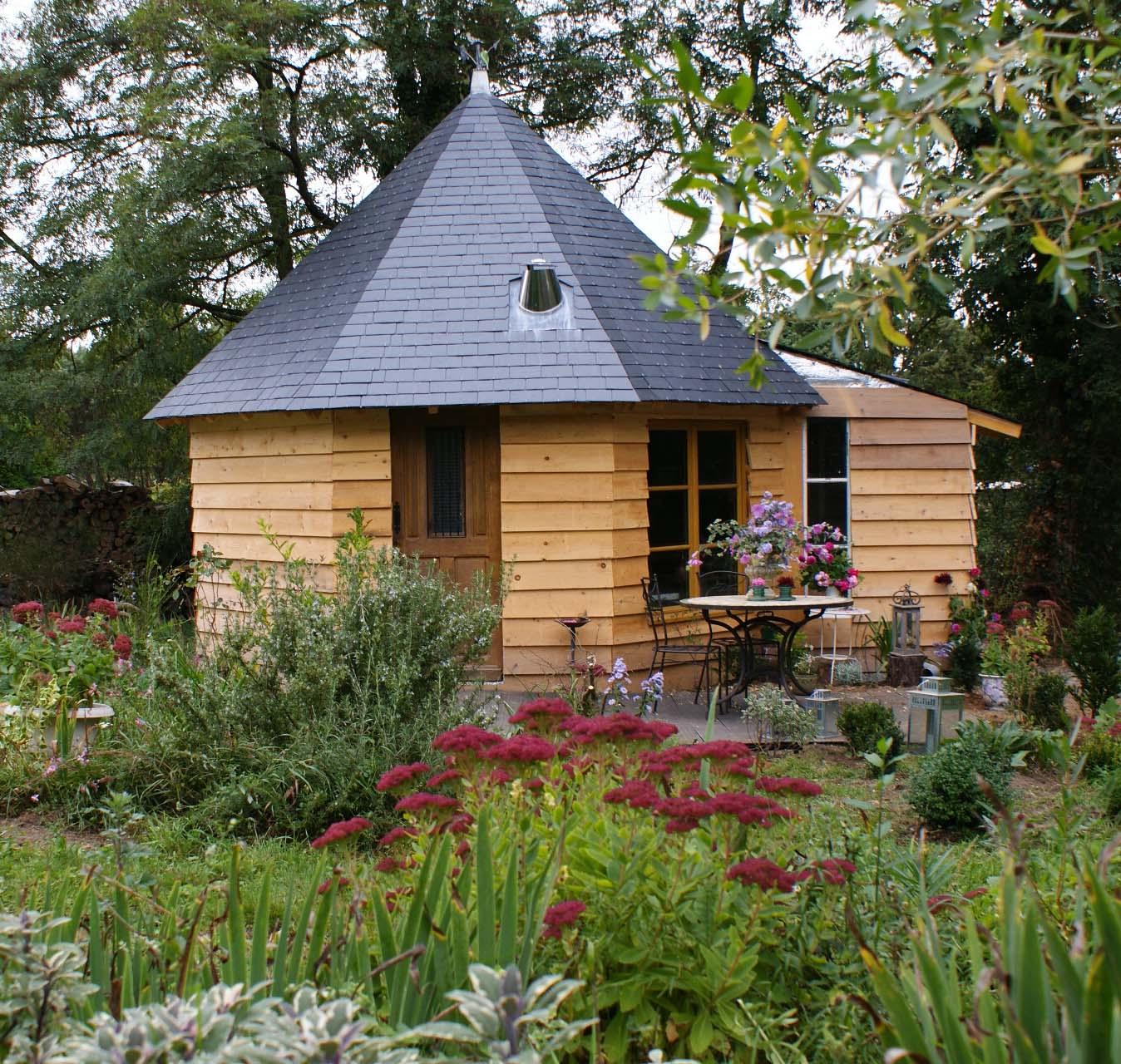 Gite cologique touraine val de loire s jour location gite for Pavillon jardin bois
